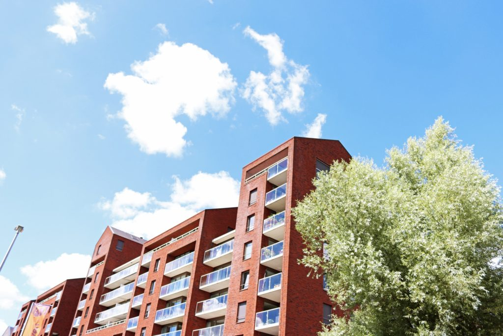 Apartment buildings/ CC0 Margot Polinder