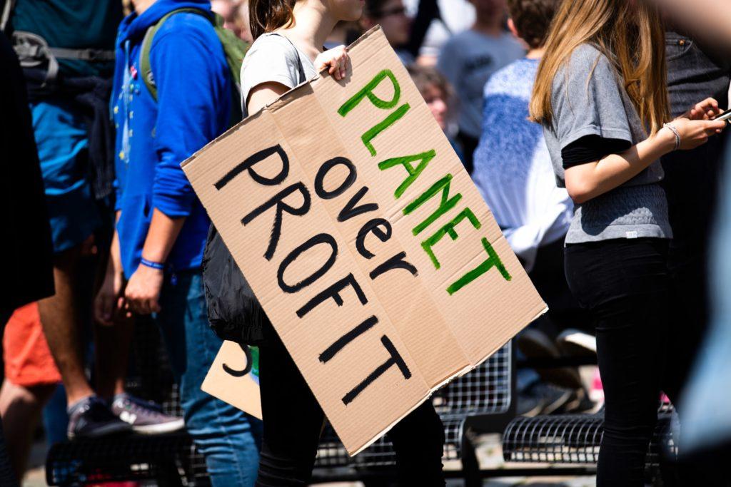 Planet over profit climate march poster/ CC0 Markus Spiske