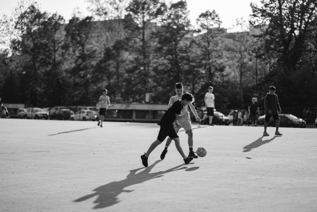 Boys playing football in Turin / CC0 alessandro-de-bellis