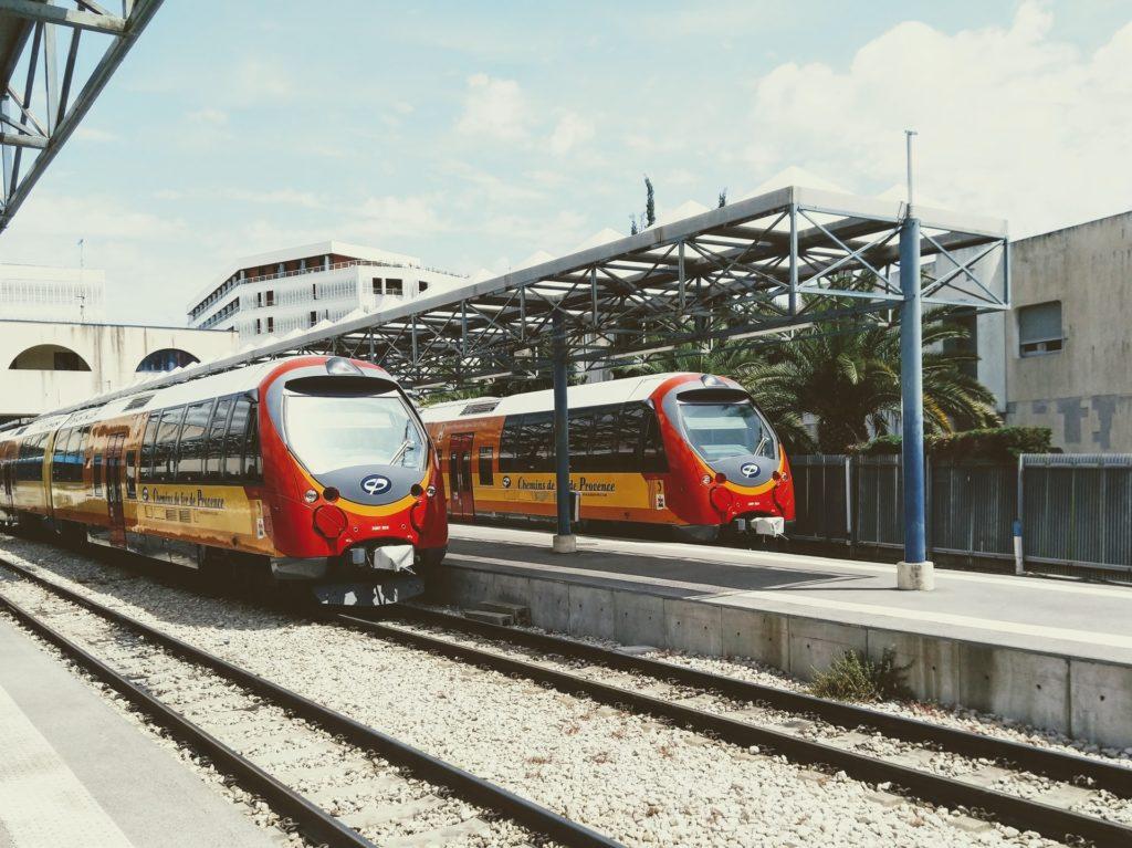 Trains/ CC0 christopher