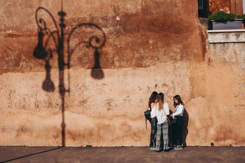 Women in Rome / CC0 cristina-gottardi