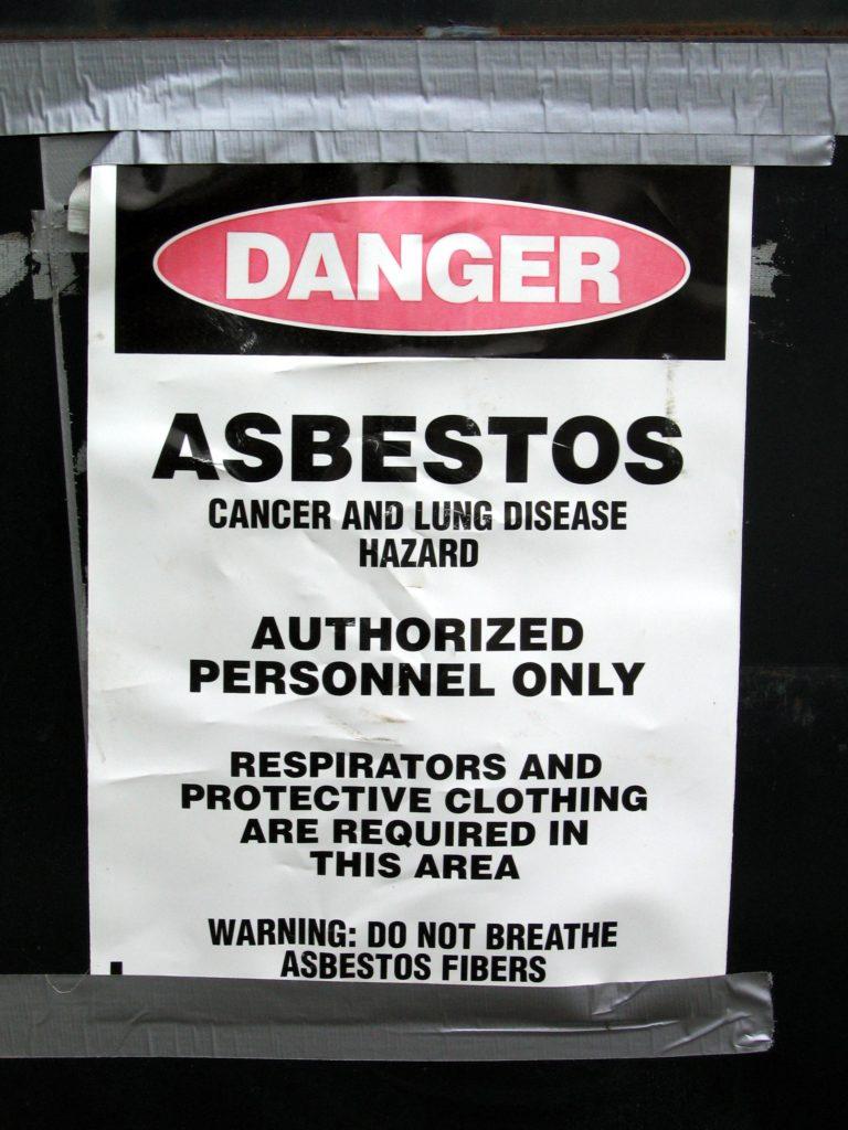 Danger Asbestos Sign / Michael Pereckas/ Flickr CC BY-SA 2.0